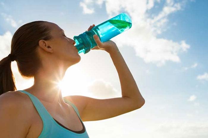 تاثیر نوشیدن آب در کاهش وزن
